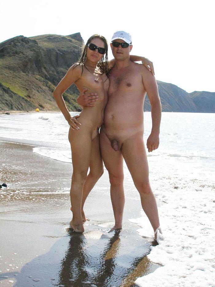 Отличные фото нудистского пляжа и его посетителей