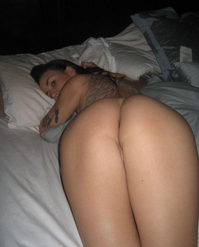 3 Фото голых жен в самых пикантных ситуациях и не только!