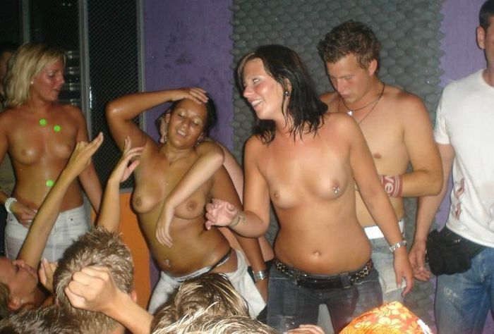 13 Смешные пьяные голые девушки фото