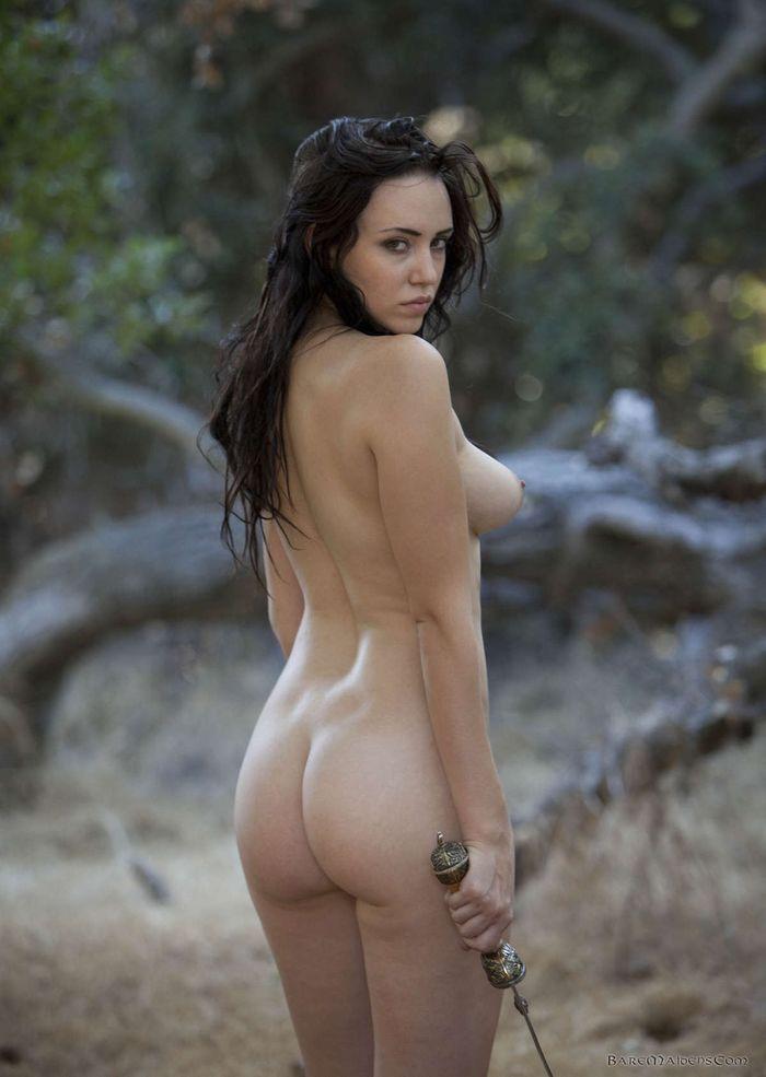 Вкусные стройняжки любят позировать без одежды