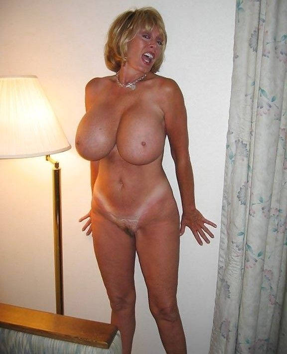 фото зрелых женщин с большой грудью голые