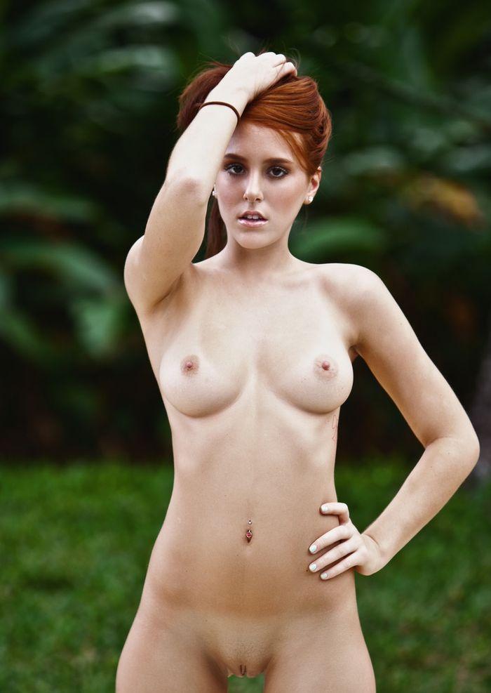 Голые девушки худые с осиными талиями и форменными попками