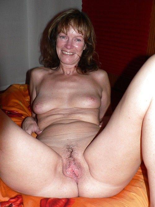 часное фото женщин в приклоннам возрасте голых