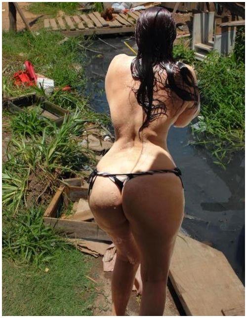Фото упругие жопы в стрингах 12 фотография