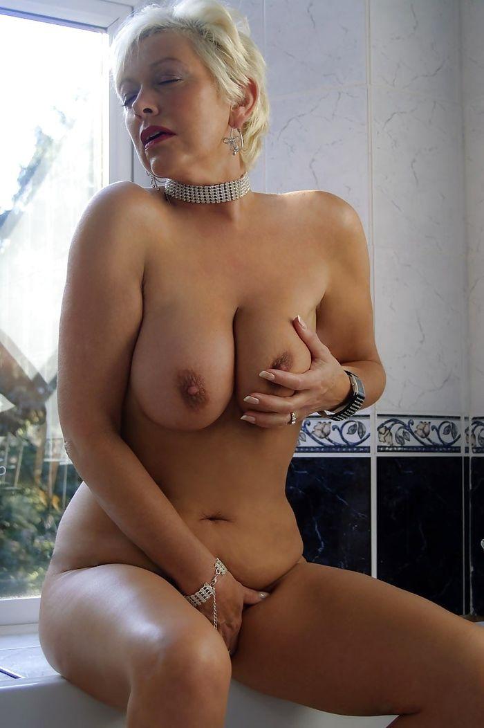 зрелые мамы грудастые голые фото