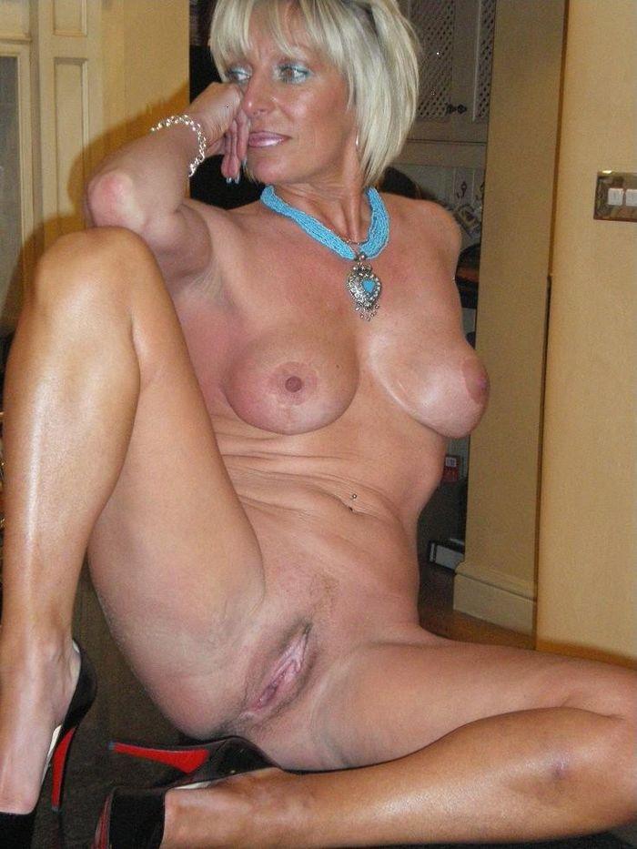 16 Зрелые голые красивые женщины как на подбор