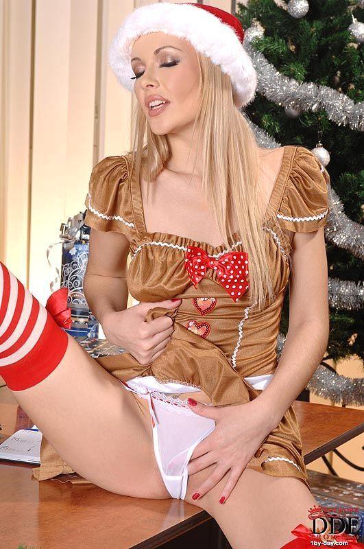 2 Новогодняя эротика подымает настроение!