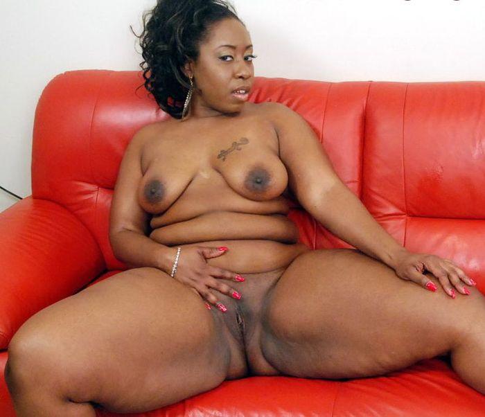 Эти голые толстые бабы сумеют завлечь кого угодно!