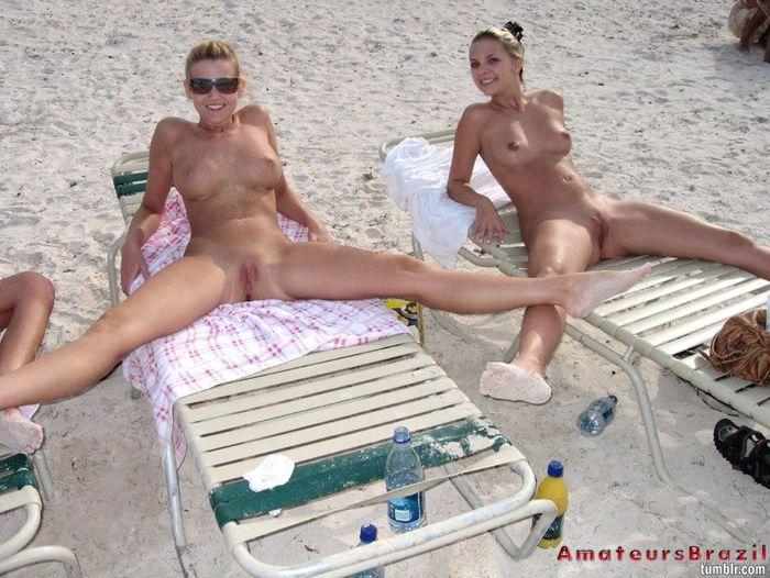 Фото 30 голые девки с большими жопами на пляже 7 фотография
