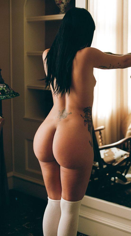 Красивые большие попки знойных девушек