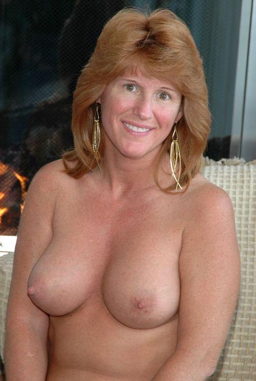 14 Частное откровенное фото голых зрелых дам