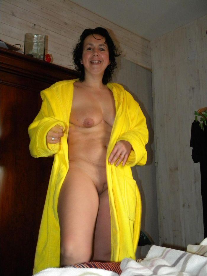 4 Частное откровенное фото голых зрелых дам