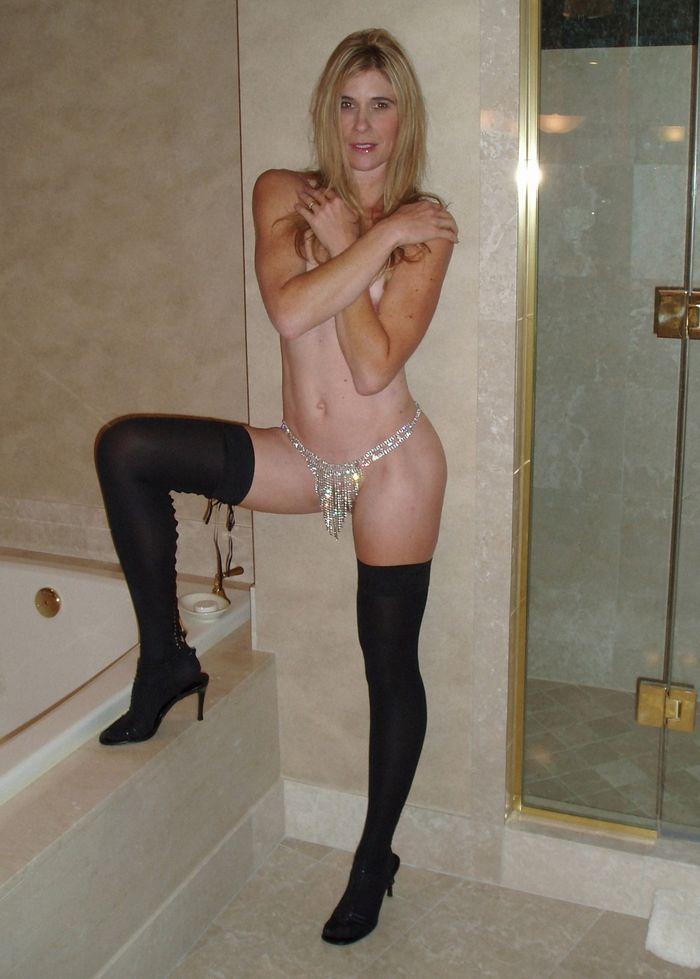 8 Частное откровенное фото голых зрелых дам