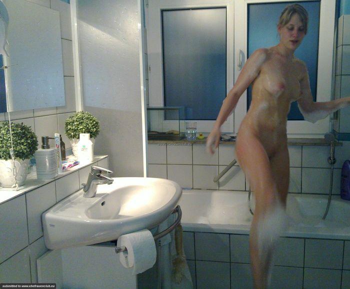 21 Домашние пикантные фото голых и возбужденных жен