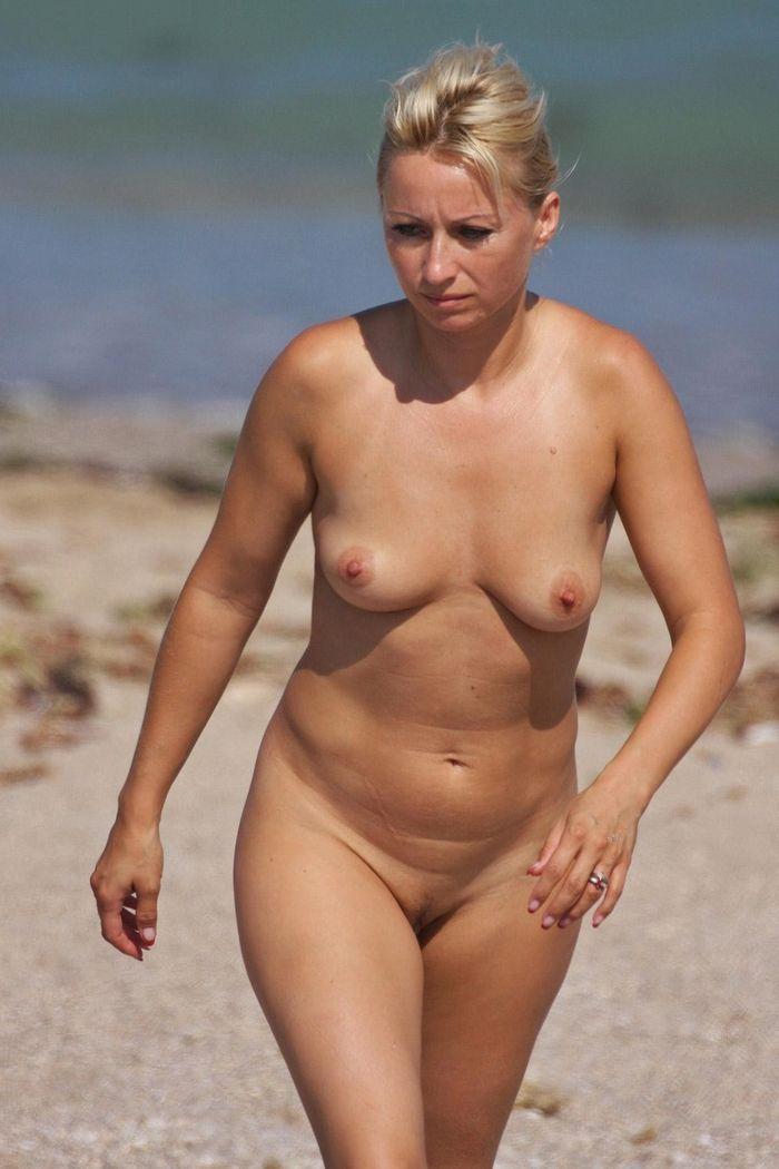 фото голых пожилых дам в телах: