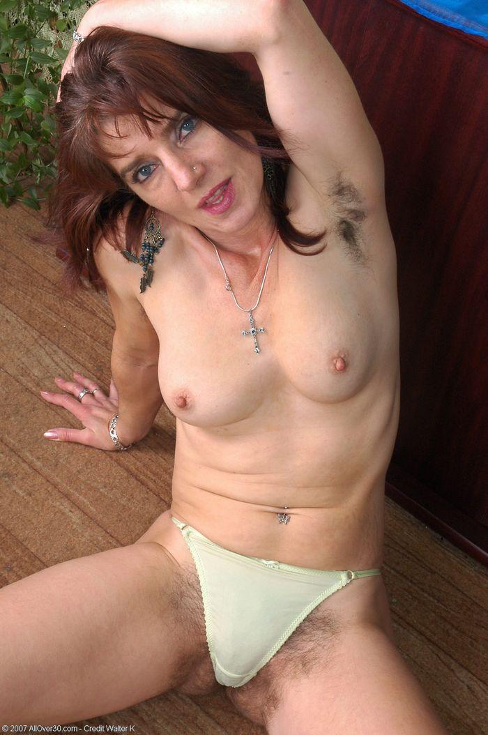 Сильно волосатые голые женщины фото 84-301