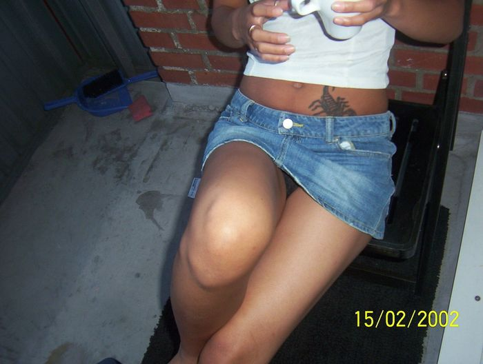 Опубликовать в Facebook. Мини юбки джинсовые. Отправить по электронной по