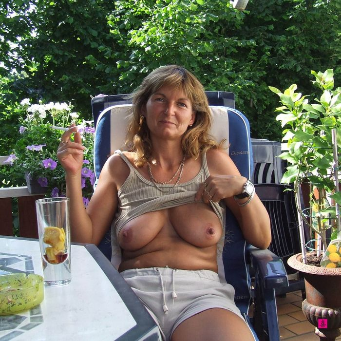 2 Руская эротика: горячие зрелые женщины!