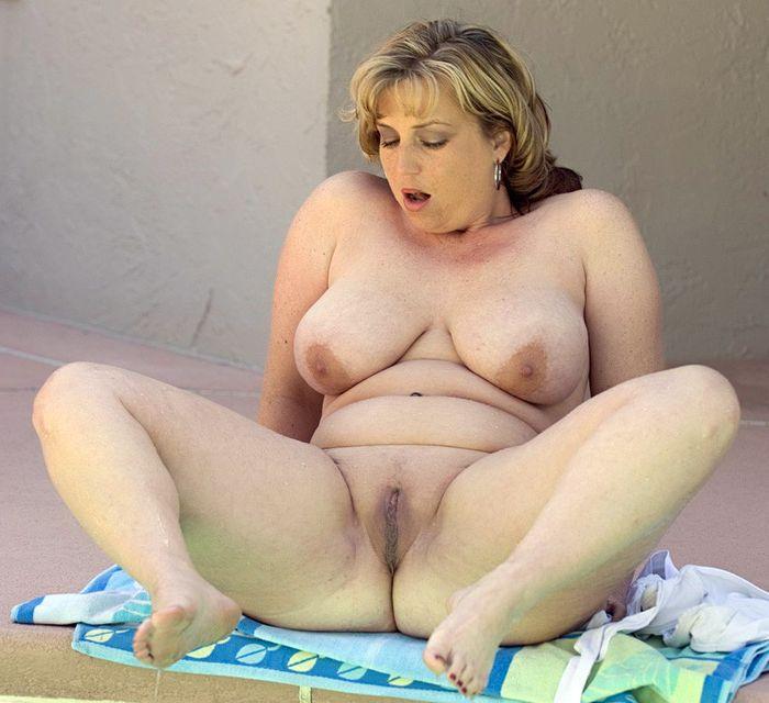 жирни голи девки