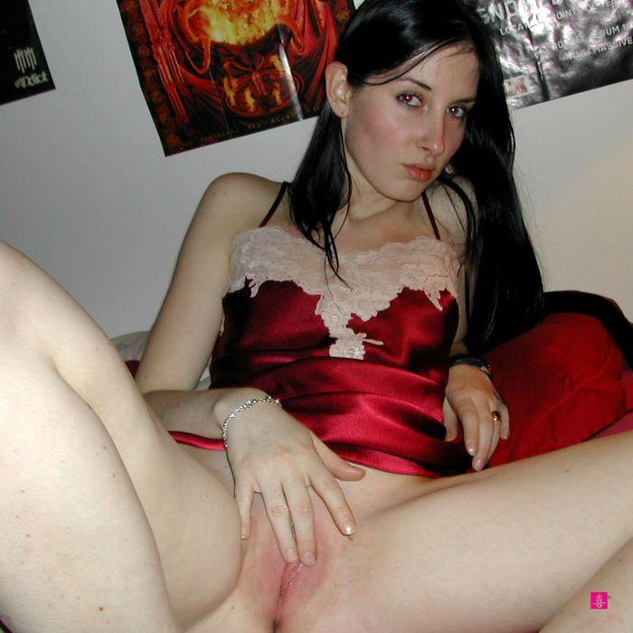 Фото голых девок ххх, распухшая пизда порно видео