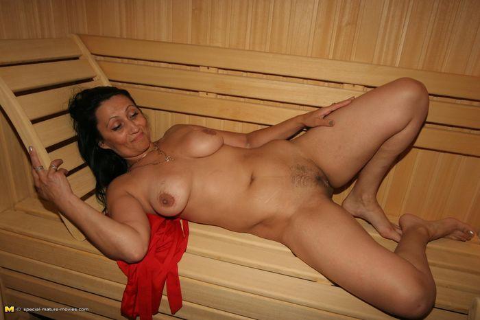 фото зрелой женшины в бане