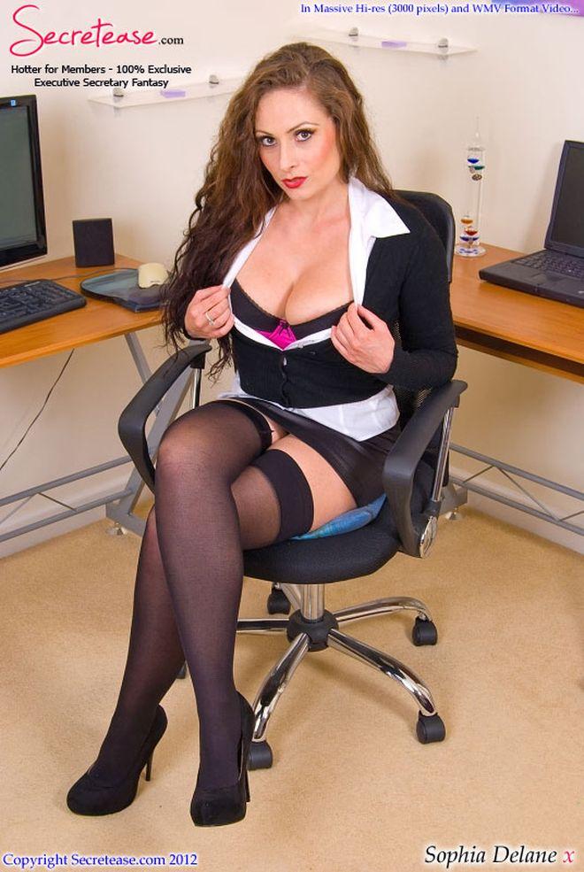 Голые соблазнительные секретарши хотят разврата