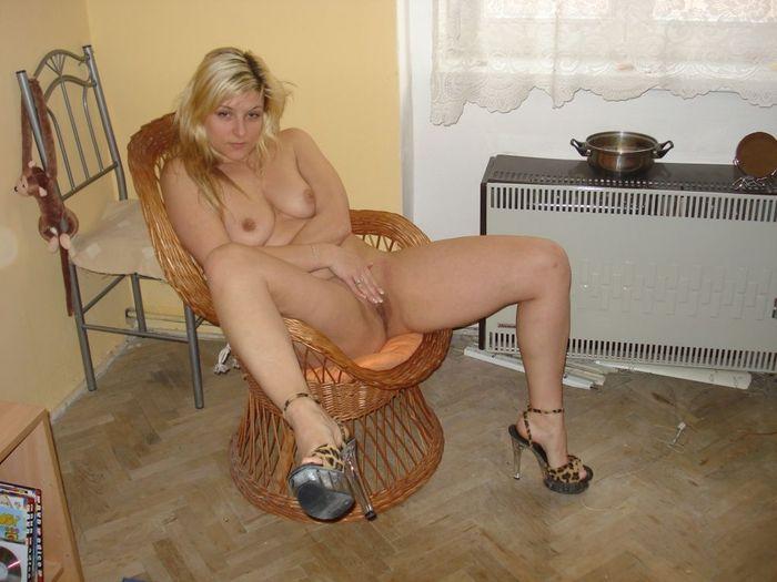 Фото голой красивой девушки блондинки