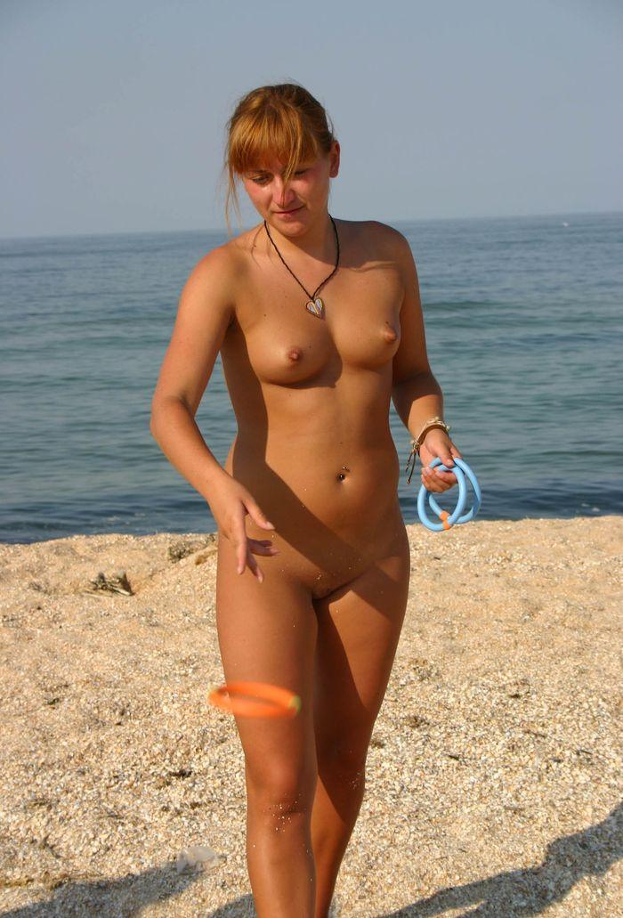 3 Нудистки фото   самые красивые девчонки на диком пляже!