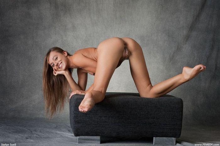 Развратные фото голых девушек повергнут вас в шок