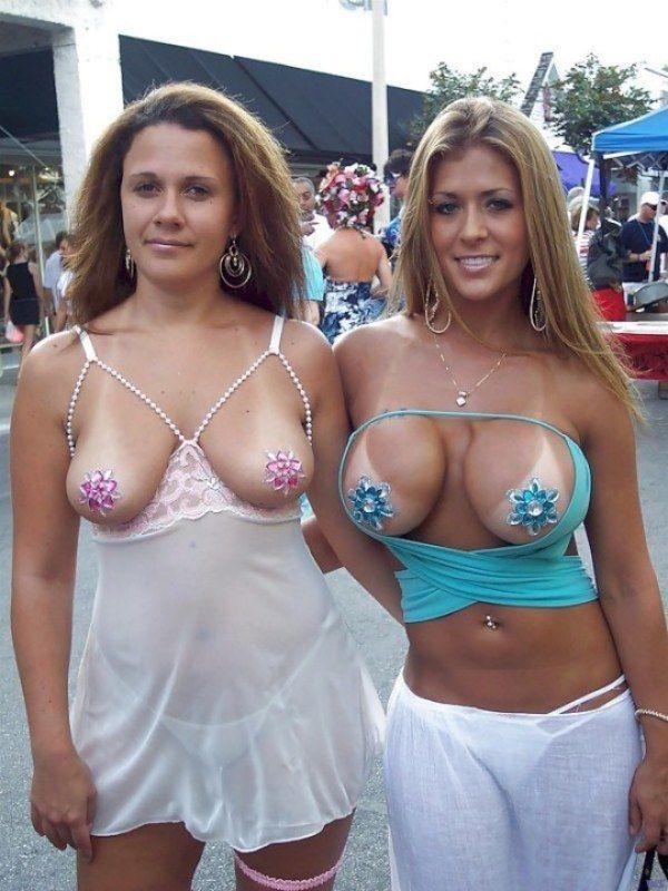 7 Фото гламурных и голых зрелых женщин в развратных ракурсах и позах