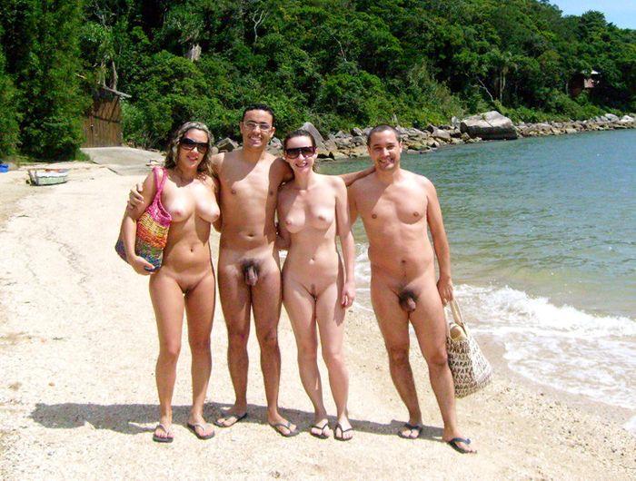 Нудийский пляж для любителей обнаженного отдыха