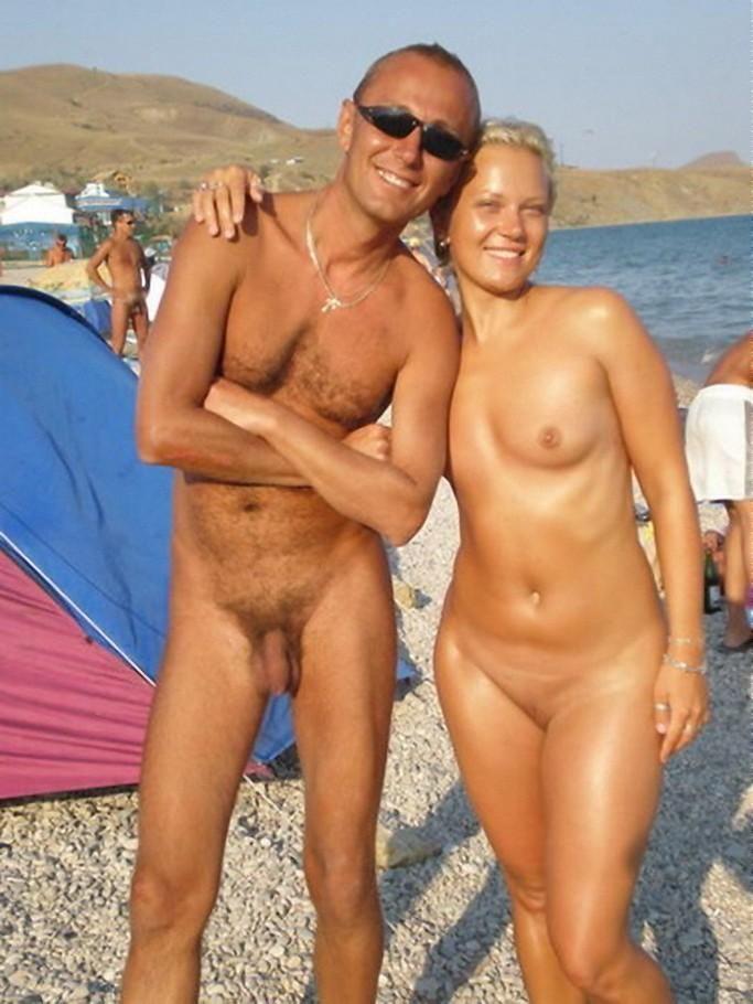 Голый пляж открыт для всех желающих!