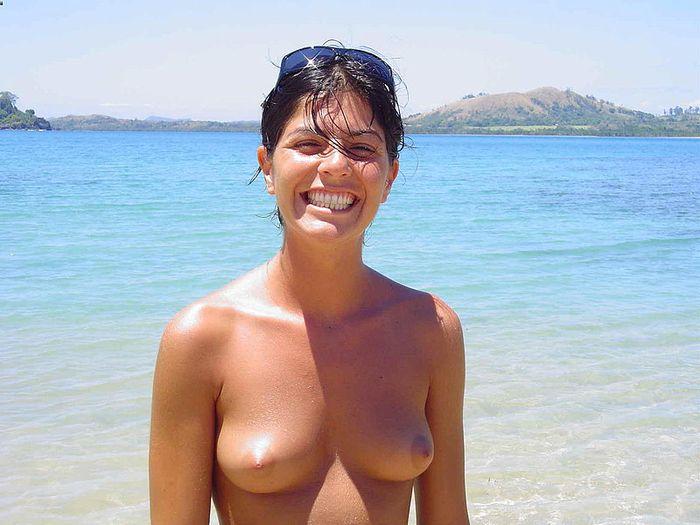 Отличные фото голых нудистов для тех кто хочет посетить голый пляж