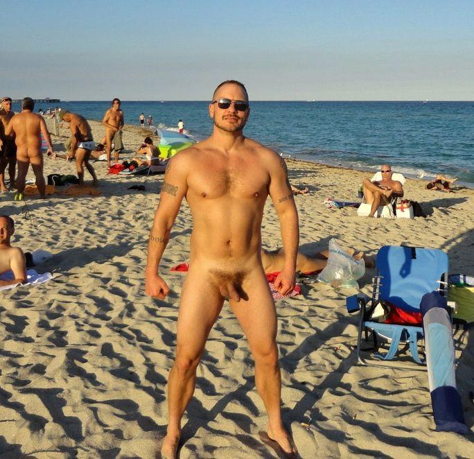 Картинки порно мужики голі пляжі фото 243-890