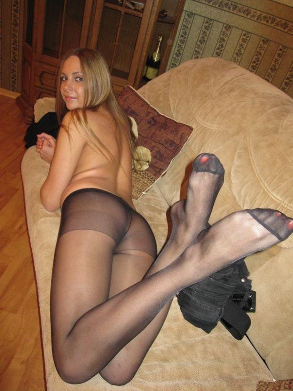 Частнок фото голых девушек в колготках фото 446-926