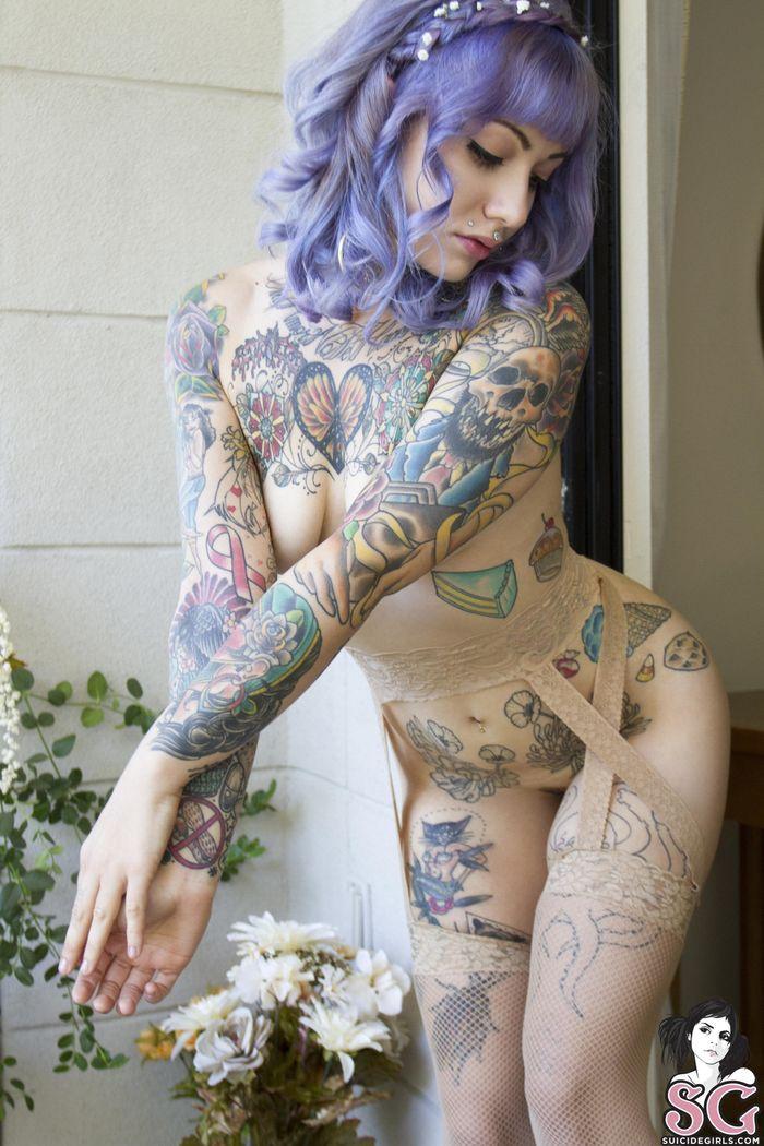 Необыкновенные красотки в татуировках