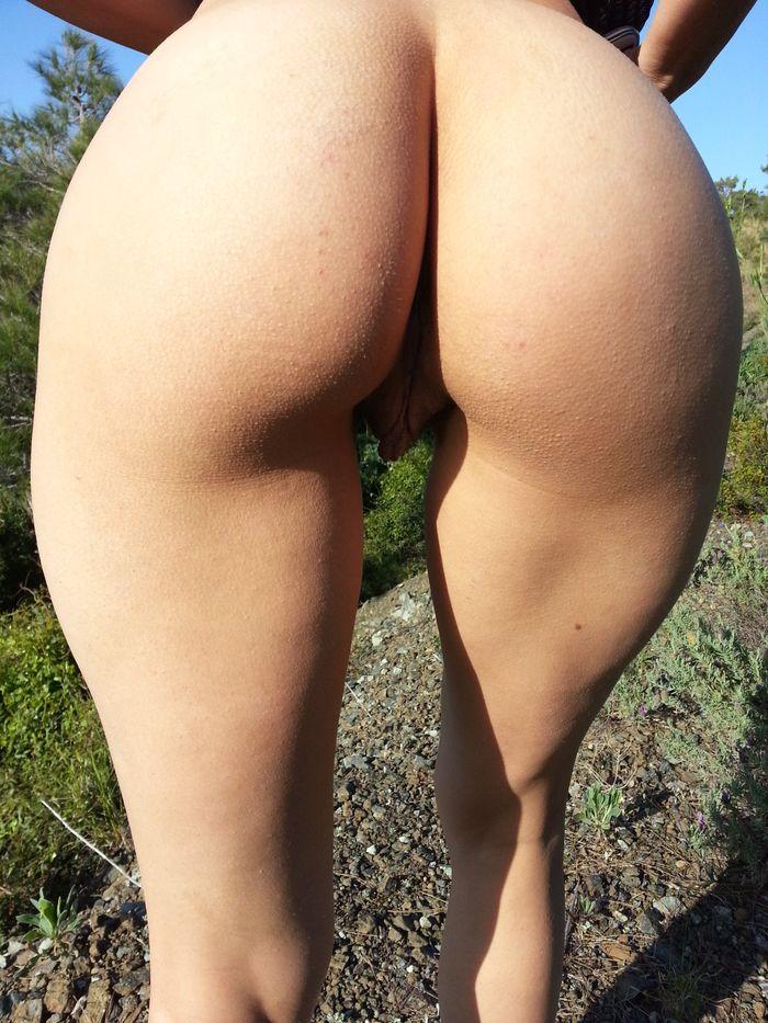 211 Шикарные задницы молодых женщин