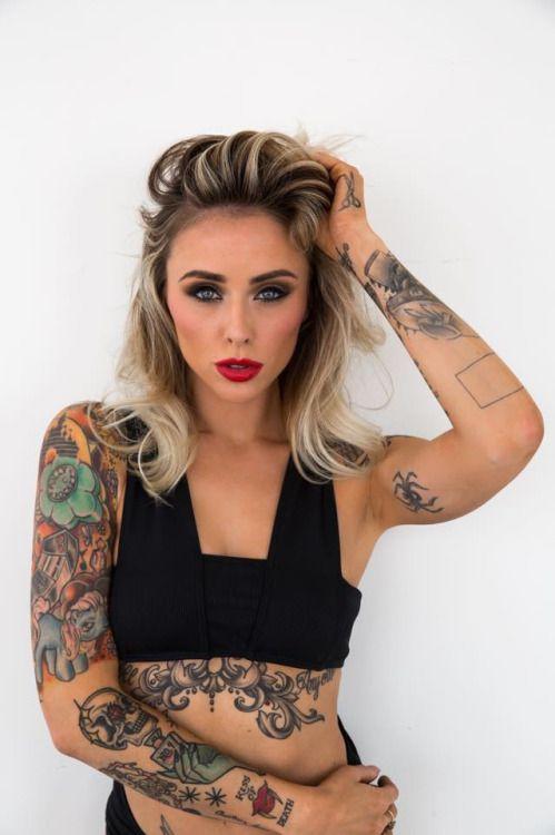 832 Татуированные девушки безумно красивы